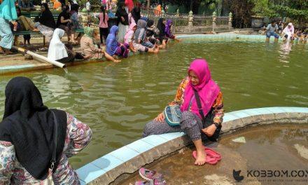 Menyehatkan Badan di Hapanasan Wisata Air Panas Pasir Pengaraian